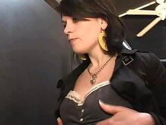 مزاحم سکس زیباترین زن دنیا یک خدمتکار خانه با سینه های زیبا و او را برای رابطه جنسی پرورش می دهد