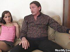 دختر سکس با زیباترین دختر روسی در الاغ باکره خود خروس را احساس کرد