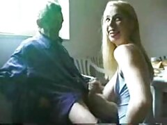 پورنو انفرادی وابسته به عشق شهوانی که توسط یک دختر جذاب در زیباترین سیکس خال کوبی انجام شده است