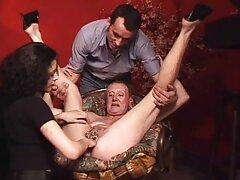 دختر سبزه در یک زیباترین فیلمهای سکسی معبر داغ داغ دیک بزرگی می گیرد